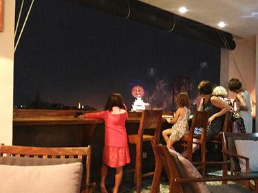 ホテルのバーの写真②